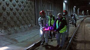 Ćwiczenia przed Euro: wąglik w tunelu średnicowym