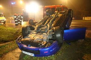Subaru dachowało na Puławskiej. Niebezpieczny wieczór na drogach
