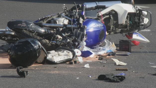 Motocyklista zderzył się z wozem strażackim