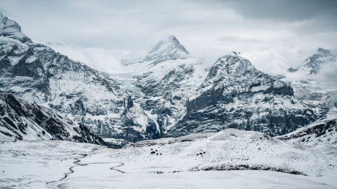 Śnieg w Alpach leży o miesiąc krócej. <br />Prognozy na kolejne lata nie są optymistyczne