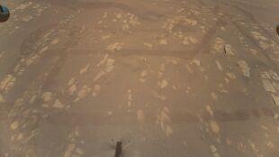 Pierwsze kolorowe zdjęcie powierzchni Marsa z lotu ptaka