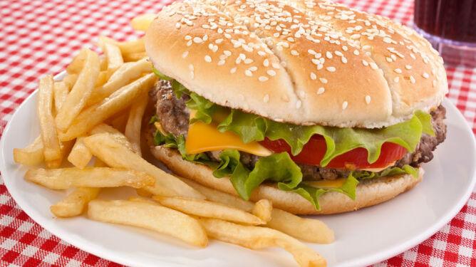 Nawet kęs hamburgera może być szkodliwy