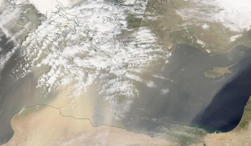 Pył saharyjski nad Grecją (NASA)