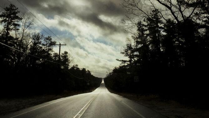 W większości kraju śliskie drogi