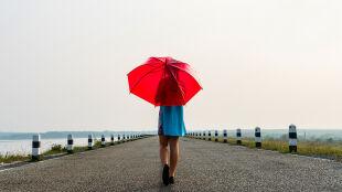 Prognoza pogody na dziś: wszędzie popada, lecz będzie cieplej